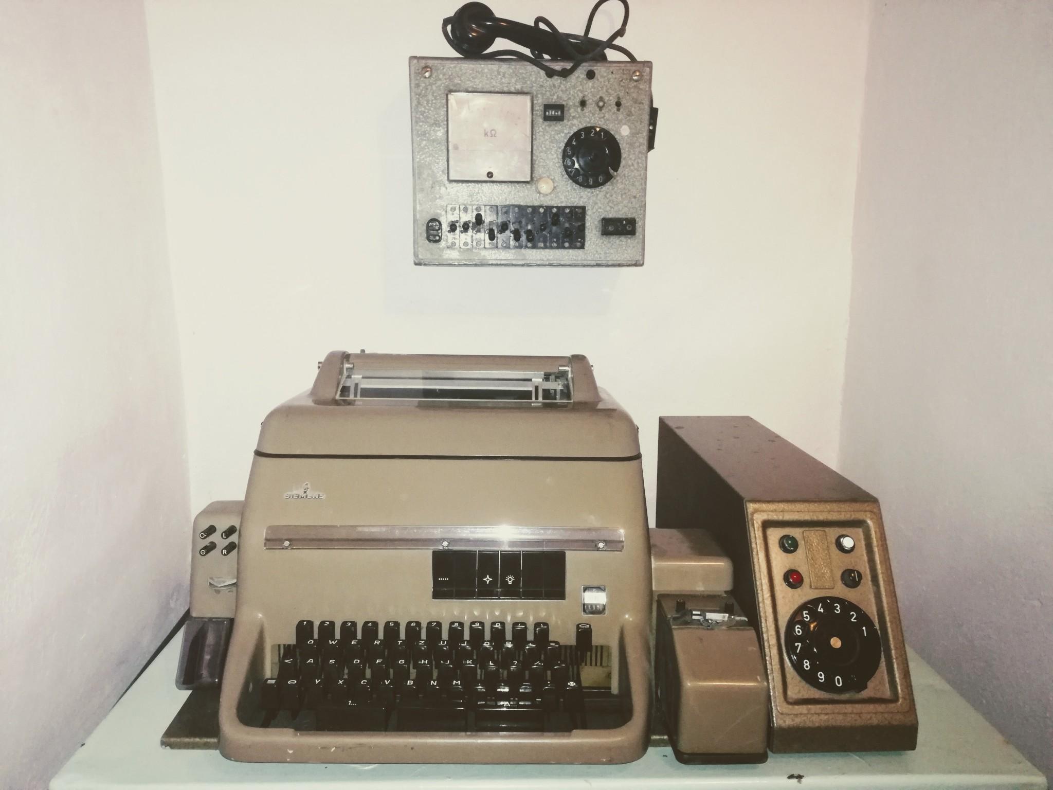 macchina per stilare i rapporti degli interrogatori
